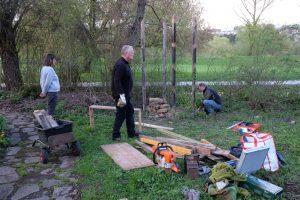 Die Mellifera-Regionalgruppe Fils-Neckar bei der Arbeit